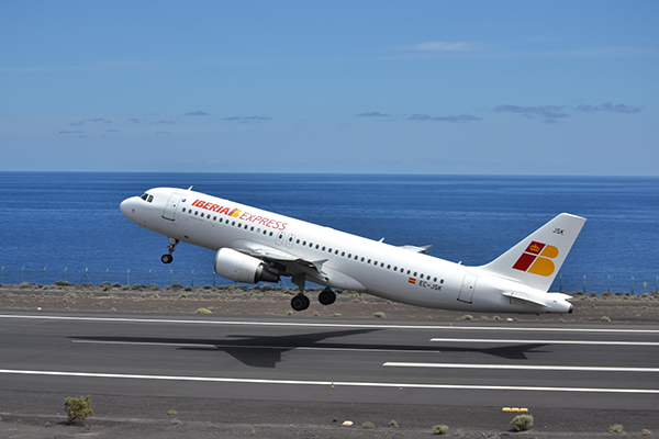 iberia-express-avion-despegue
