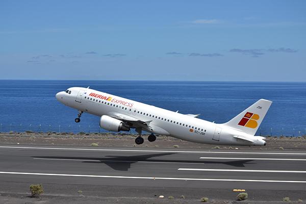 iberia-express-avion-despegue