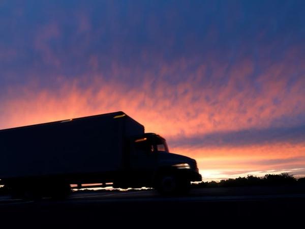 FMCSA pone una empresa de transporte fuera de servicio