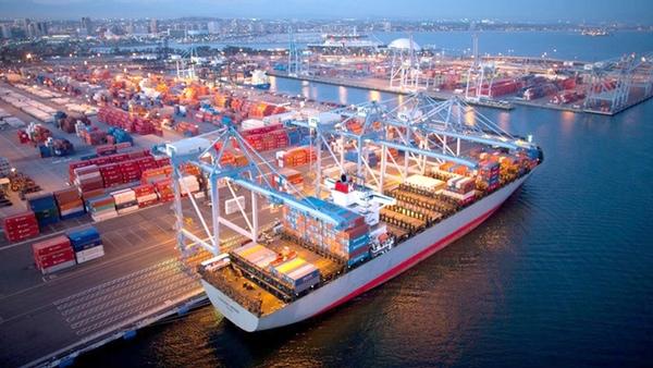 ITS añade nuevas gruas de contenedores en Long Beach