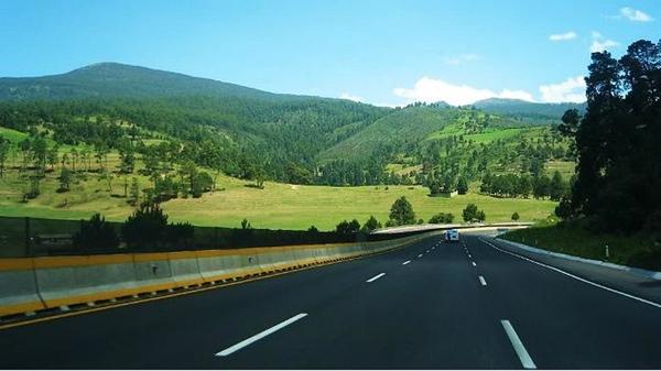 México quiere mejorar su transporte por carretera