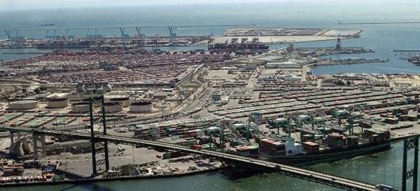 Trabajadores portuarios son acusados de ralentizar el trabajo