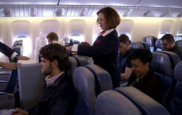 delta-airlines-azafata