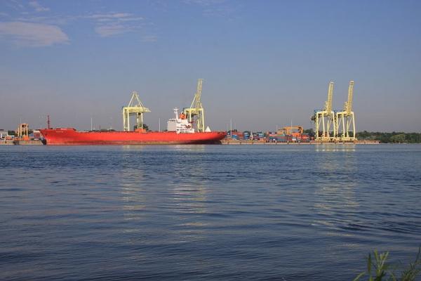 Fiera Axium podría comprar terminal portuaria