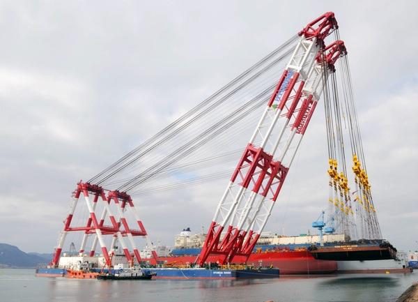HSHI finaliza la construcción de un buque grúa