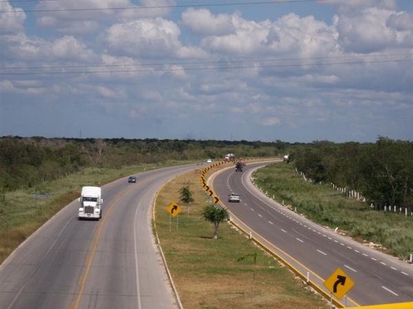 SCT invierte en carreteras