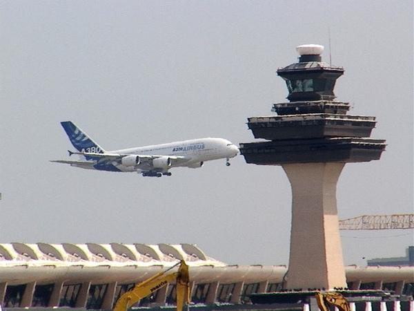 Tráfico aéreo crece en enero