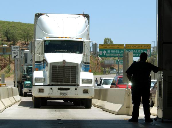 Transporte irregular aumenta en Tijuana