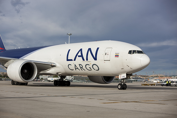 Lan-cargo-avion