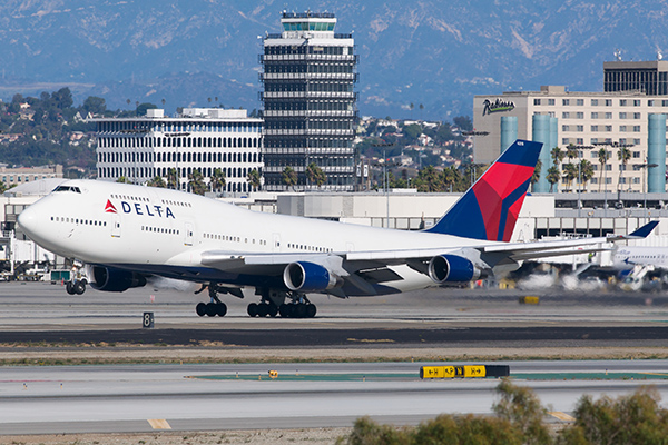 delta-airlines-avion-despegue