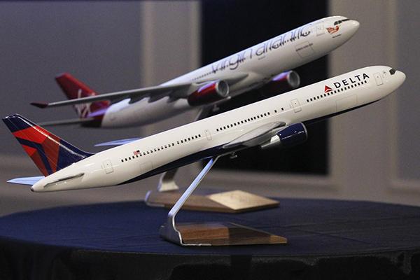 delta-airlines-avion-maqueta