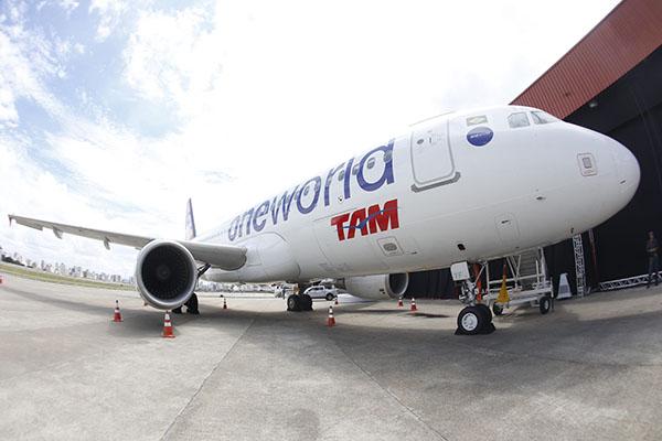 oneworld-avion-tam-airlines