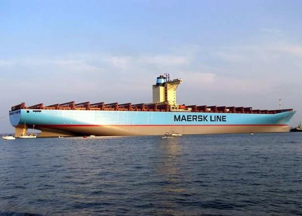 Maersk podría encargar nuevos portacontenedores