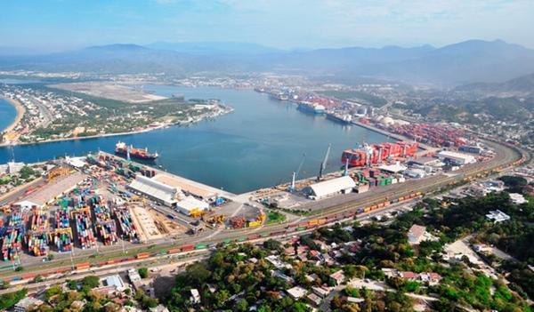 Puerto de Manzanillo reduce emisiones contaminantes