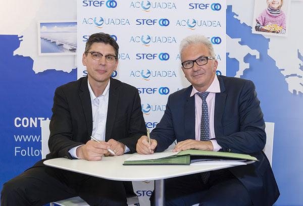 firma-contrato-Stef-Acquadea