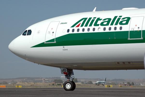 Alitalia suspende vuelos a Caracas