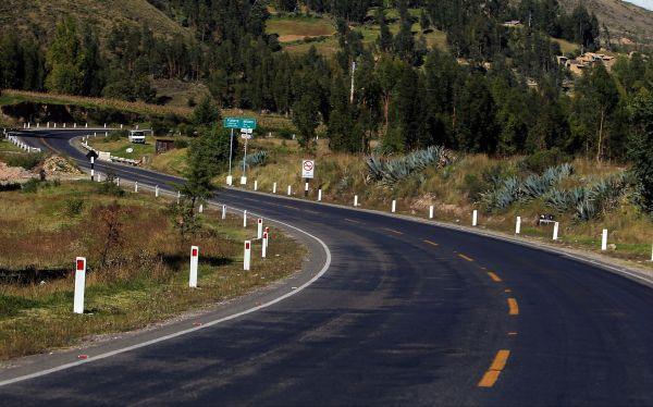 Bolivia invierte en carreteras