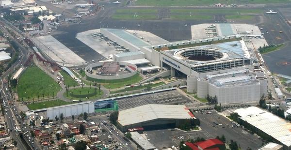 México venderá instalaciones para financiar nuevo aeropuerto
