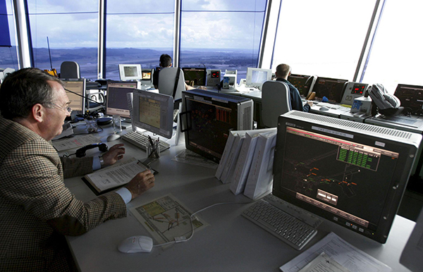 controladores-aereos-trabajo