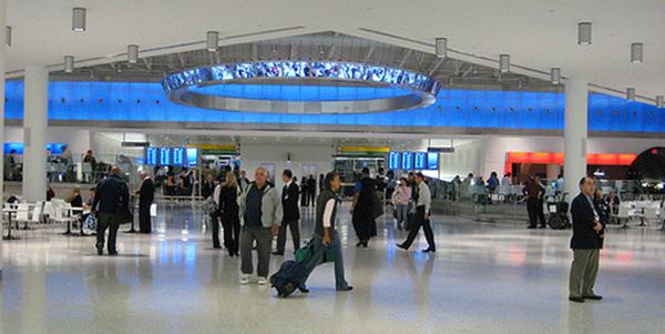 terminal de JetBlue en aeropuerto JFK