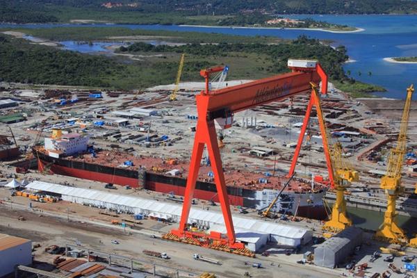 Astillero Atlântico Sul despide más de 300 trabajadores
