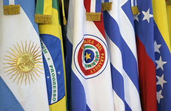Brasil niega negociación con Unión Europea fuera de Mercosur