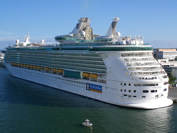 Buque de Royal Caribbean sufre un incendio
