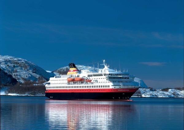 Hurtigruten amplía su flota