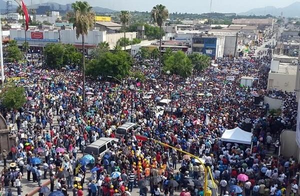 Manifestación multitudinaria contra el acero chino en México