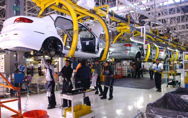 Producción de automóviles en Brasil sigue en caída