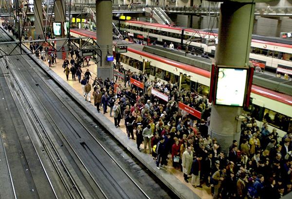 Renfe-pasajeros-estacion-tren