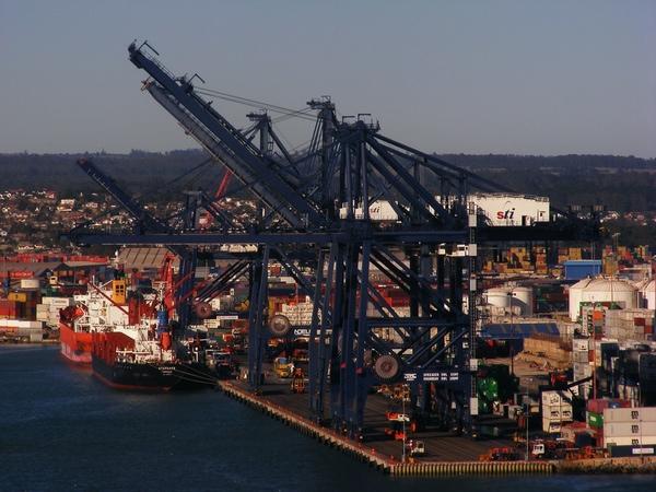 San Antonio Terminal Internacional alcanza los 10 millones de TEUs  transferidos |