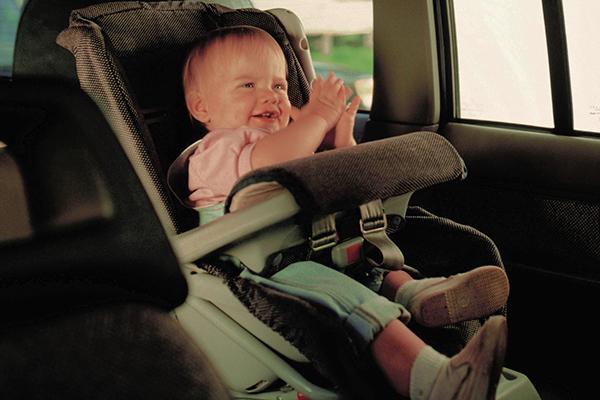 menor-coche-asiento