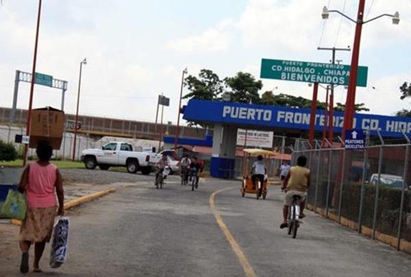 Cruce de camiones aumenta en la frontera de México con Guatemala