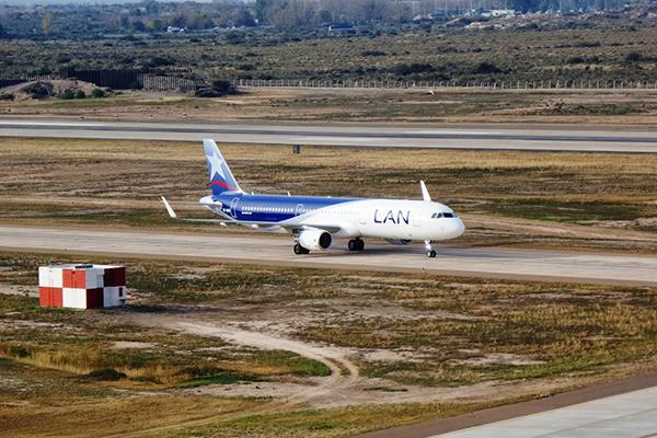 Lan-avion-aterrizaje
