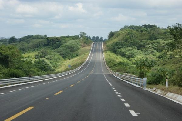 Transportistas mexicanos exigen más seguridad en carreteras