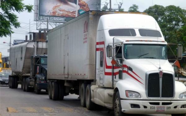 Camioneros denuncian falta de ayudas para renovar sus vehículos