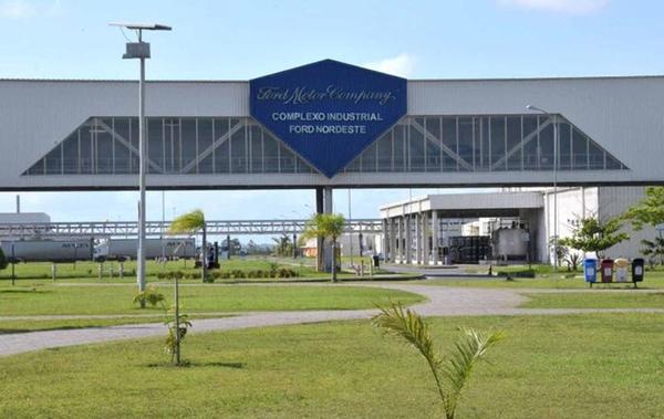 Ford adopta jornada reducida para evitar despidos en Brasil