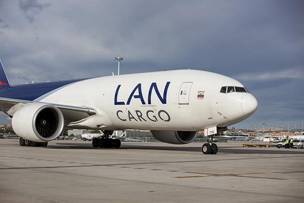 Lan-avion-carga