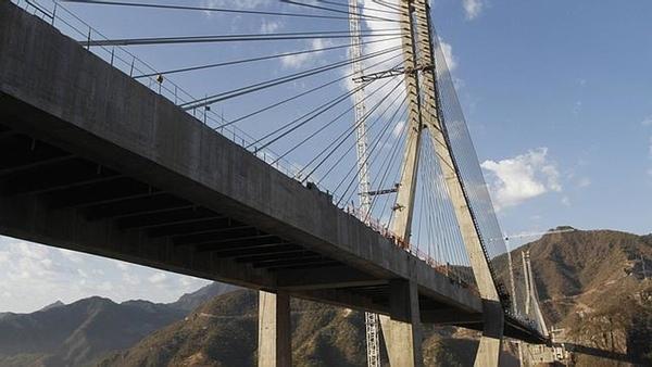Mexico monitoriza sus puentes