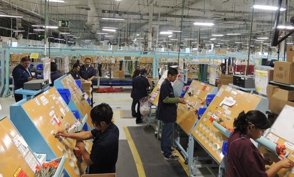 Productividad laboral desciende en Mexico