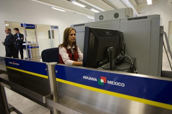 Agentes aduanales mexicanos sufren extorsion