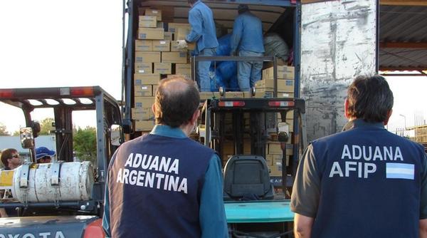 Argentina mejora sus aduanas