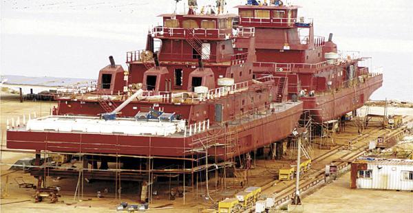 Bolivia quiere recuperar sus barcazas
