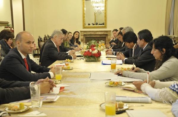 Bolivia y Austria colaboran en transporte y tecnologia
