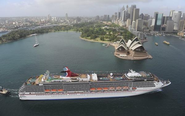 Carnival Cruise Line lanza el programa Fly2Fun