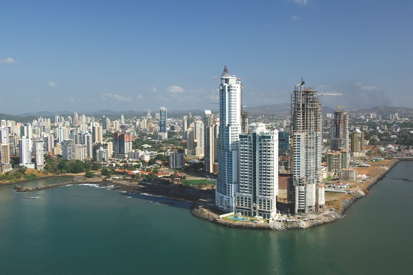 Economia panamena mantiene su calificacion positiva