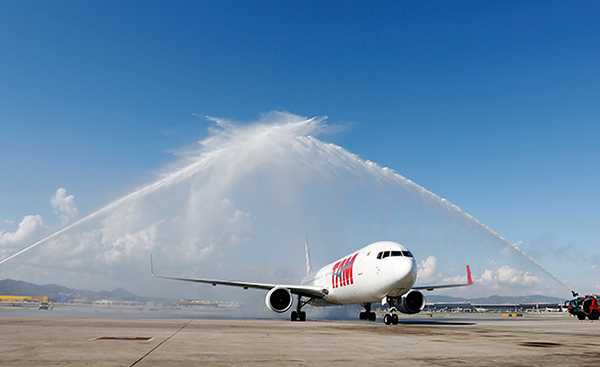 TamAirlines-Barcelona-vuelo-inaugural