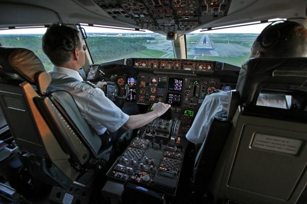 Piloto De American Airlines Fallece En Pleno Vuelo