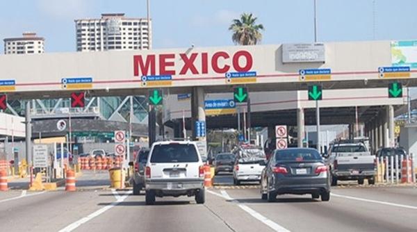 Aduana de Laredo cambia acreditaciones
